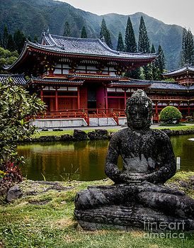 The Byodo-In Temple 1 by Charlene Gauld