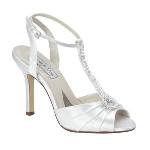 """http://www.sexyshoes.co.nz Style: Izzie 229 Material: Satin Colour: White  Dyable: Yes Height: 3 1/2"""" Sizes: 5-11 $179"""