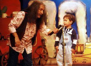 barış manço:              Büyüyünce ne olacaksın? adam olacak çocuk:  Televizyoncu. barış manço:              Ne yapacaksın peki? adam olacak çocuk:  Televizyon tamir edicem...