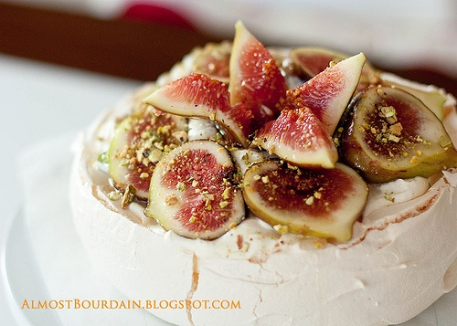 Pavlova, Ginger syrup and Figs on Pinterest