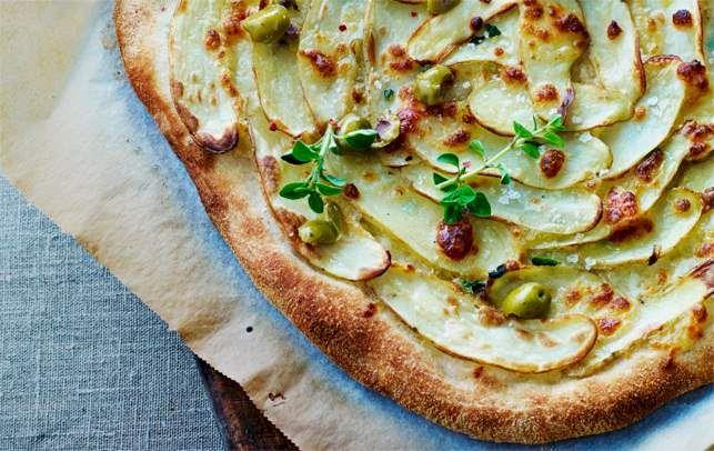 Bag pizzaerne lige før servering. Det er let, når du har forberedt fyldet.
