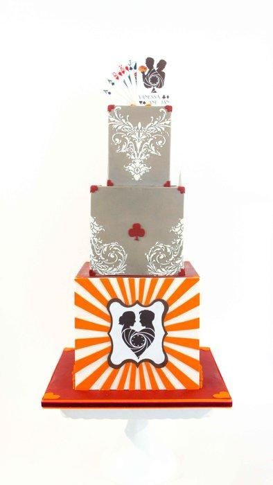 Poker themed wedding cake - Cake by Alma Pasteles