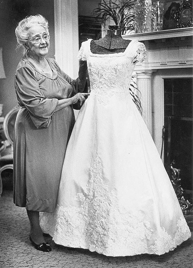 Willie Otey Kay Nc Dressmaker Worked With Silk Satin Lace Debutante Dressesblack Fashion Designerswedding