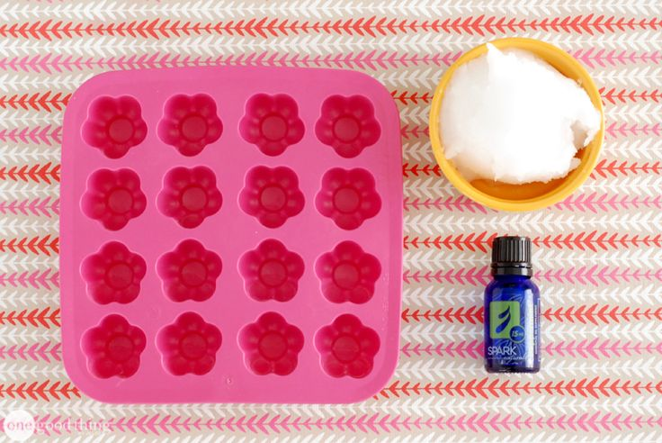 How to Make Flavored Coconut Oil Tablets For A Healthy Mouth