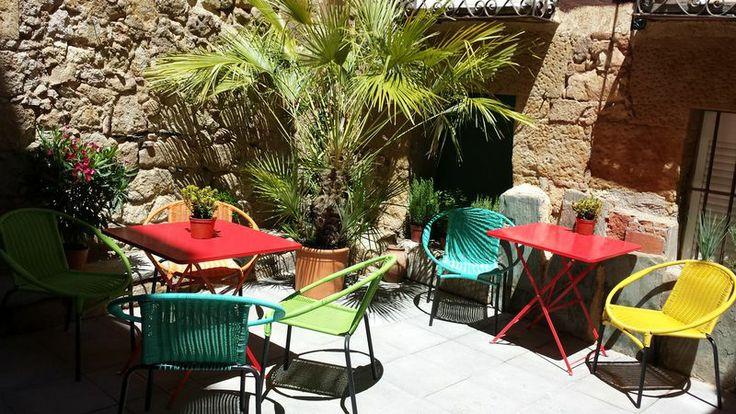 PATIO TERRAZA | Pensión Hostal en Salamanca ::: Alojamiento barato, práctico y original SWEET HOME SALAMANCA http://alojamientosweethomesalamanca.com