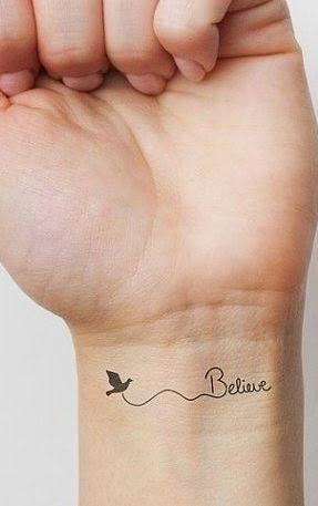 A gente vê as mais intrincadas tatuagens por aí. Porém, às vezes, é uma bem pequenininha, bem simples, que mais nos chama atenção. Ess...