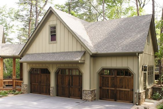 Here are 6 great design tips that you can utilize to make the most of your garage space. #garage #garagetips #organization #homeprojects