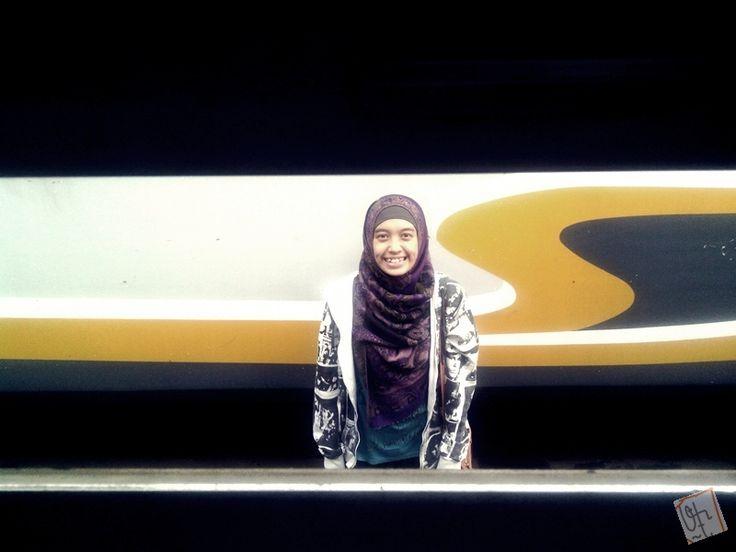 Q-27: Train's window as a frame