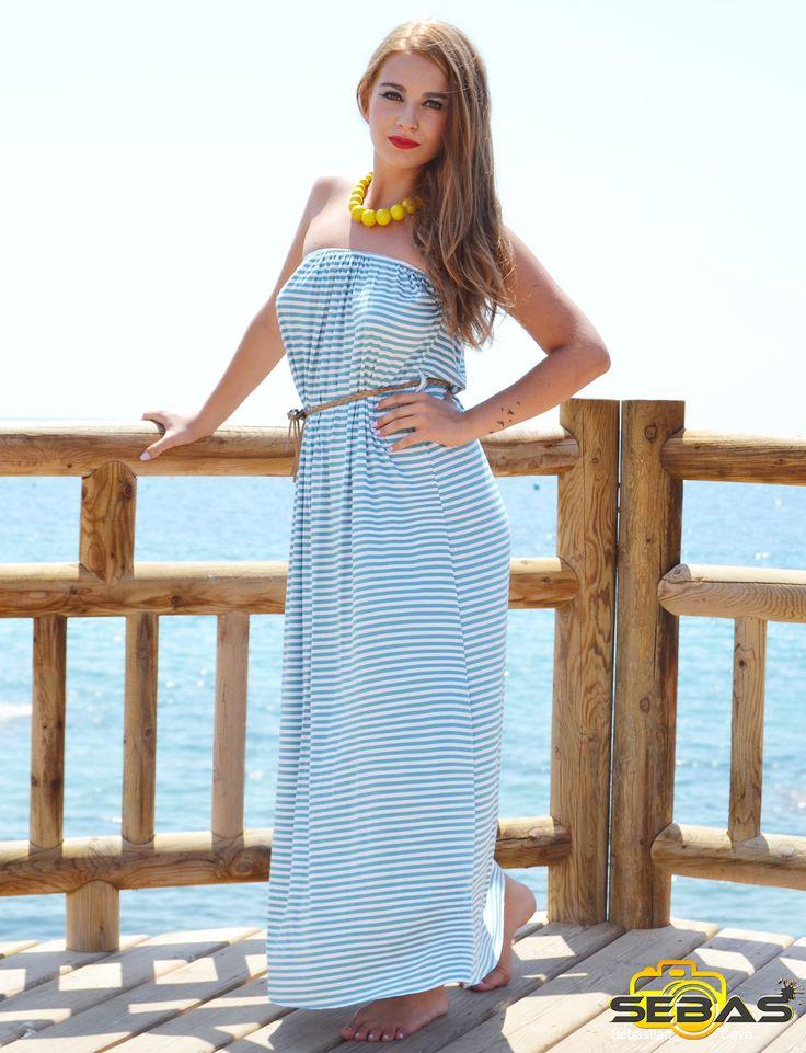 YA ES VIERNES!!! Y que mejor para disfrutar de estos días de verano que estos dos preciosos vestidos...  #vestidosparaelverano #veranito #azulelcolordemoda http://blog.dicompra.com/dos-preciosos-vestidos-azules-para-este-verano/