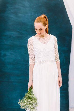 Hochzeitskleid Zweiteiler mit Ärmeln aus Spitze und fließendem Rock (www.noni-mode.de - Foto: Le Hai Linh)