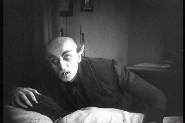 People tell me that silent movies can't be THAT scary... Nosferatu begs to differ!