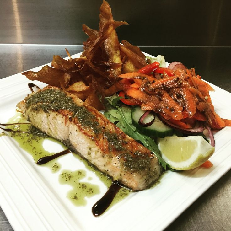 Atlantic salmon with sweet potato chips and salad