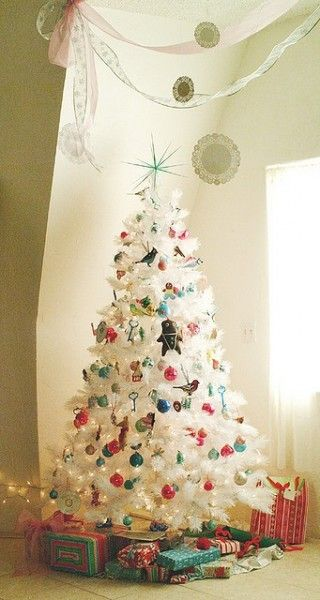 Idea for White Christmas Tree. Wish I had enough room for another tree!