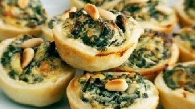 Kruche babeczki szpinakowe z serem ricotta - przepis | Gotuj z pasją z Kulinarnymi!