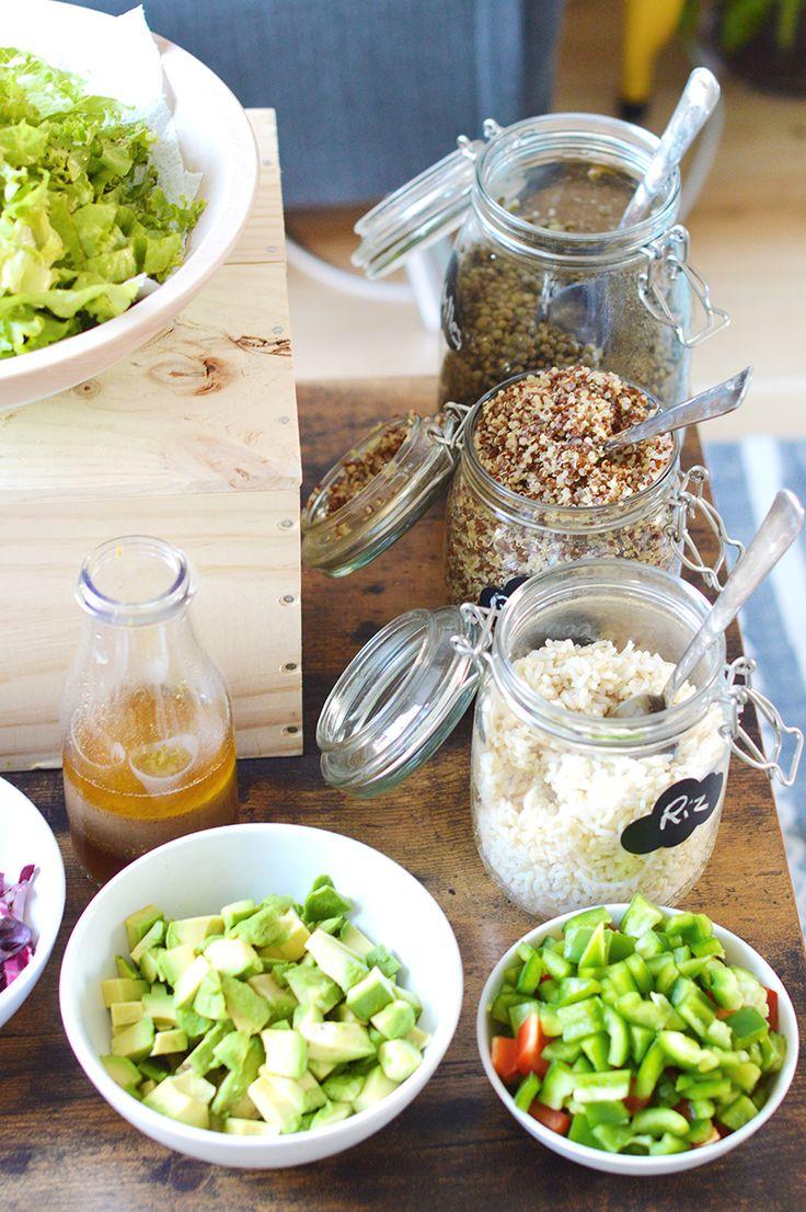 Ma solution facile et pratique pour organiser une vegan party : le bar à salade ! Retrouvez mes astuces pour réaliser un salad bar gourmand et plein de couleurs, parfait pour les chaudes soirées d'été ! www.sweetandsour.fr