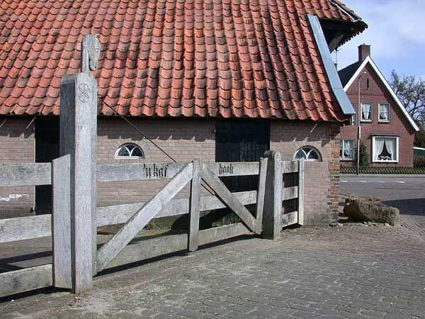 Kafhook is een andere naam voor de Vossenbrink. `n Kafhook wordt de Vossenbrink in Delden soms genoemd.