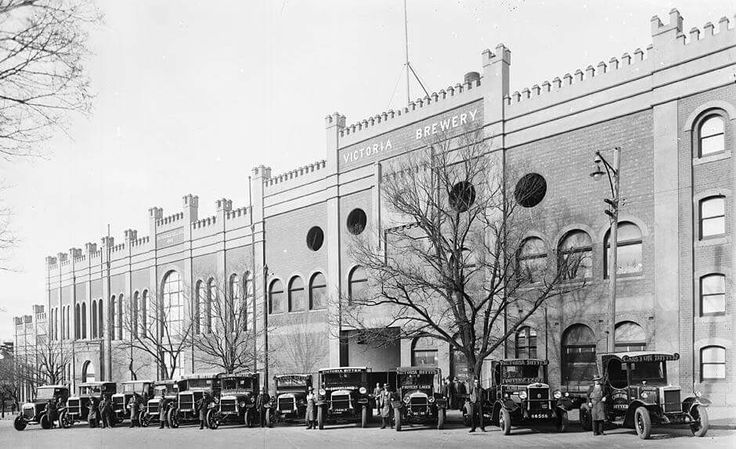 The original CUB factory with the line or delivery trucks that was on Victoria Pde,Fitzroy in Victoria in 1910.