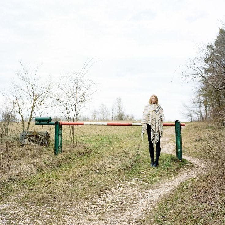https://flic.kr/p/Gzjsvc | Annelie_Rolleiflex2.8GX_Portra400 | - Annelie, the Girl with a Poncho -  #stampsy #model #fashion #photography #pose #female #woman #sexy #poncho #fashionphotography #regensburg #brandlberg #rolleiflex #rolleiflex28gx #zeiss #KodakPortra400 #leicam6 #leica #summicron50 #35mm #120 #mediumformat #ishootfilm #filmisnotdead #film #analog #C41 #bw #monochrom #meinfilmlab