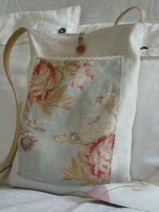 Pretty linen tote bag - no tutorial, pic for inspiration.