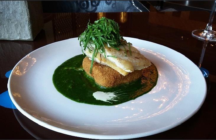 Dünya Saati menümüzde yer alan brokoli üzerinde levrek balığı. // Seabasson broccoli in our Earth Hour menu.