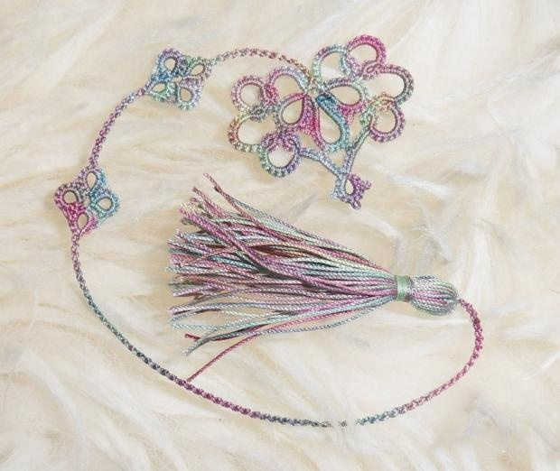 Vicki Clarke's Simple Heart tatted in Karey Solomon's Early Rising