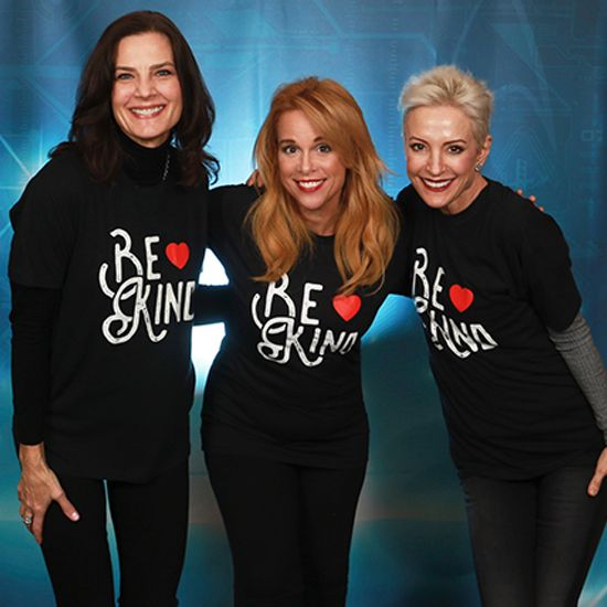 Terry Farrell, Chase Masterson, and Nana Visitor spread the good word: Be Kind!