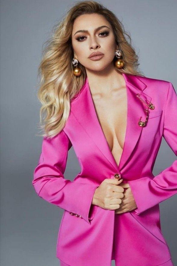 Dergi Cekimi Hadise In 2021 Fashion Women Blazer