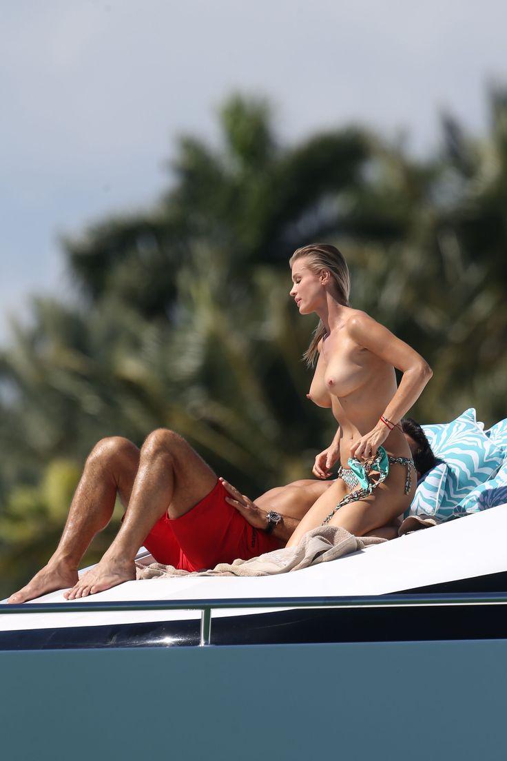 Joanna-Krupa-in-a-Bikini-Topless4.jpg (2400×3600)