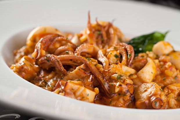 Risoto de frutos do mar tem camarão, lula, polvo e vieiras