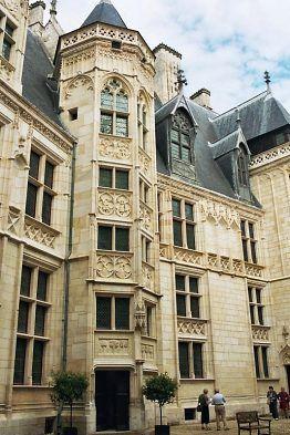 Palais Jacques Cœur à Bourges, la cour intérieure