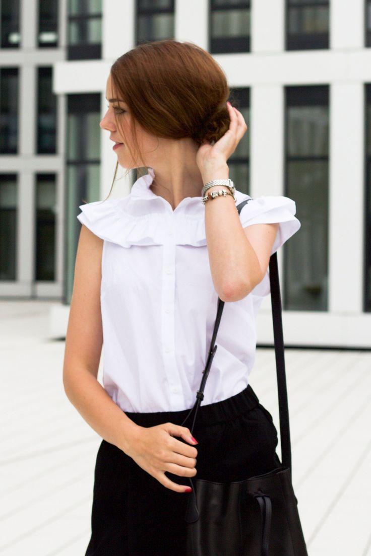 Business Look mit Culottes und Statement Bluse von Mira Mirror