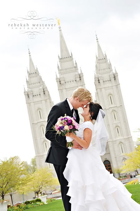 love the open aperture blurring the temple  - Rebekah Westover Photography: weddings: Photography Wedding