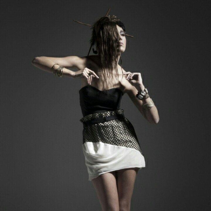 Top Anfitrite y falda de la colección Nereida de Vanessa González.  Anfitrite top and skirt from Nereid collection by Vanessa González.