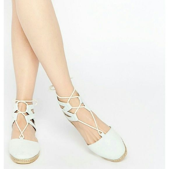 Jessica Gillie Flats. Pale Blue. NIB/NWT. Size 9. Jessica Gillie Flats Pale Blue Canvas upper. NIB/NWT Pale Blue Amazing Pair of Lace-up Ghillies! Size 9 Jessica Lace-up Ghillies Shoes Flats & Loafers