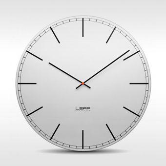 Leff klok One Aluminium door Wiebe Teertstra Deze hebben we in een winkel gezien mooie grote klok