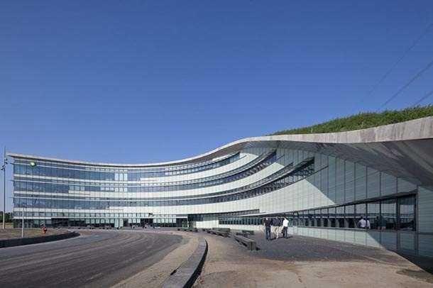 Офис нефтезавода BP в Роттердаме
