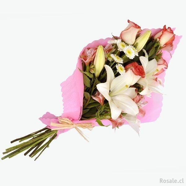 RAMO  VERÓNICA   (Código R004)   Consta de Rosas, Lilium, verde con papel de arroz con rafia, disponibles en varios colores.  Valor: $ 12.990