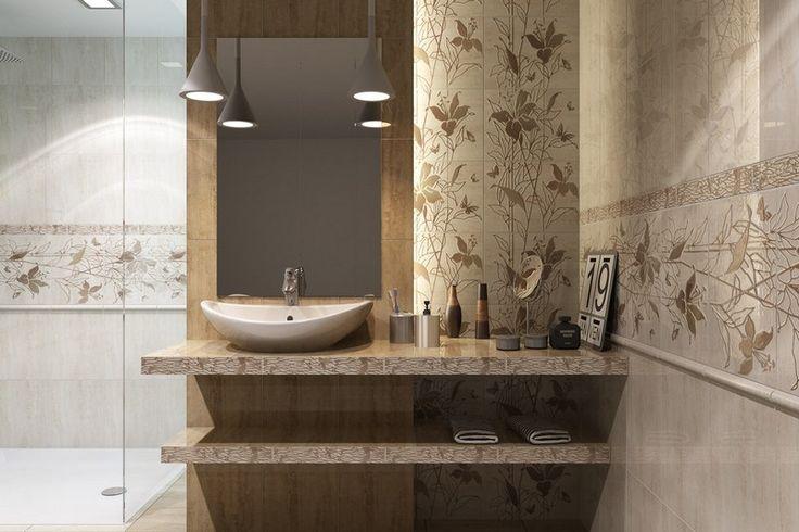 Badezimmer mit beige Wandfliesen mit Blumenmustern