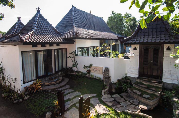 Traditional roof style of private villa Ambary House Gili Trawangan.