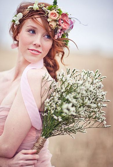 26 Flower Crowns That Are Perfect For Your Fall Wedding