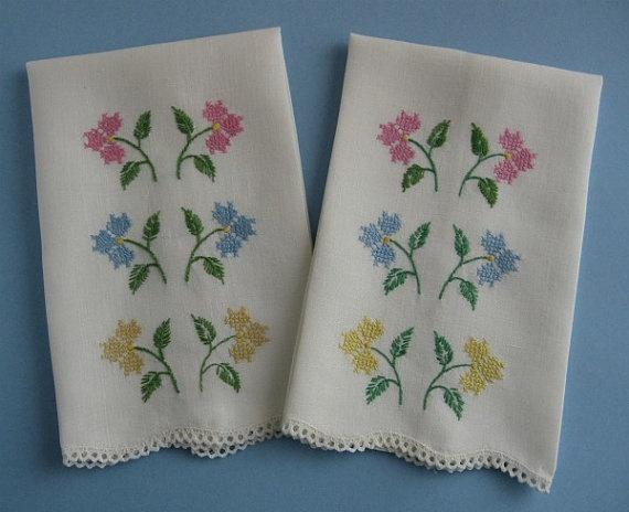 Guest Towels Vintage Pair Floral Cross-Stitch on Linen