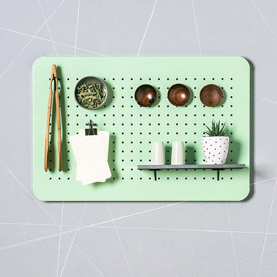 17 meilleures id es propos de stockage de panneau perfor sur pinterest tableau marquoir de. Black Bedroom Furniture Sets. Home Design Ideas