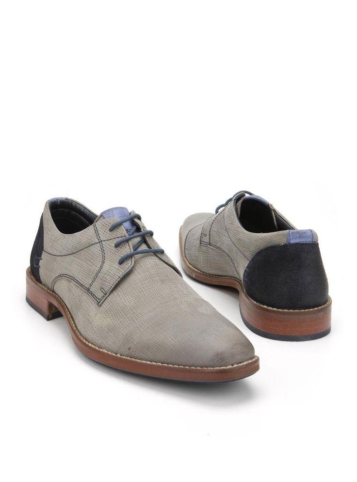 MOOY herenschoen  Description: Grijze geklede veterschoenen van MOOY. Deze herenschoenen zijn gemaakt van leer en hebben een kunststof zool. De schoenen zijn voorzien van blauwe details en hebben stiksels ter decoratie.  Price: 71.99  Meer informatie