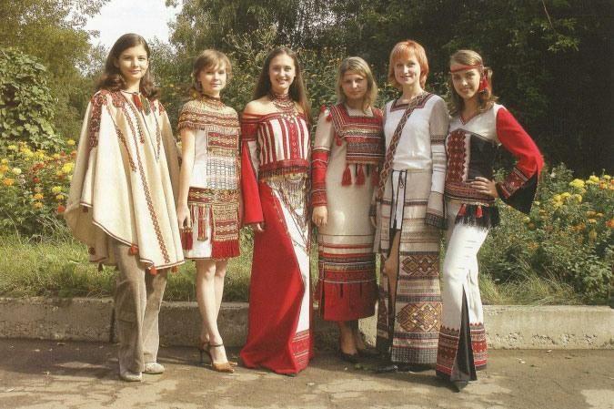 Современные стилизованные мордовские народные костюмы
