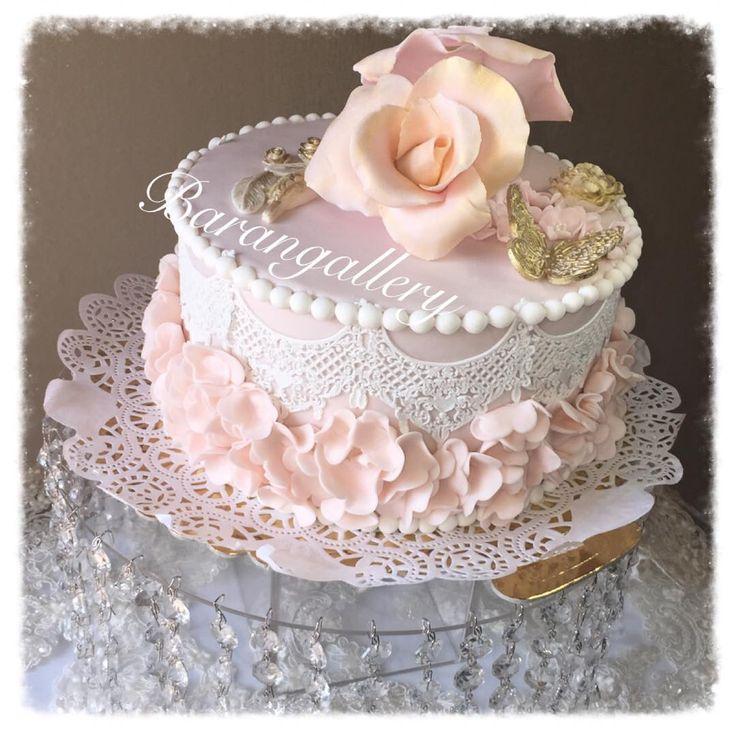 Gelin pastası modellerinde dikkat edilmesi gereken noktalar önemlidir. Gelinliğinize uygunluğuda önemlidir. #gelinpastası #gelinpastamodelleri #gelinpastaları #gelinpastası2015 http://gelinsaçmodelleri.com/2015/09/07/gelin-pastasi-2015/2
