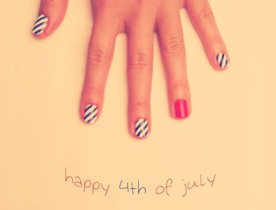 Cute nail art for any day of the summer! Cookie Crumbs & Sawdust: inspiration {fouth of july}