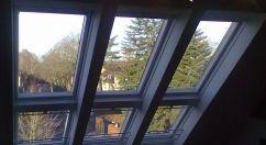 Wenn ich irgendwann ein eigenes Haus baue, muss ich solche großen Dachfenster einbauen lassen! Einfach das Bett darunter platzieren und abends die Sterne beobachten.