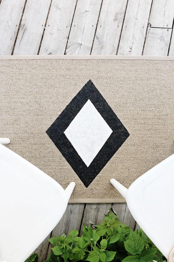 DIY Modern Outdoor Rug