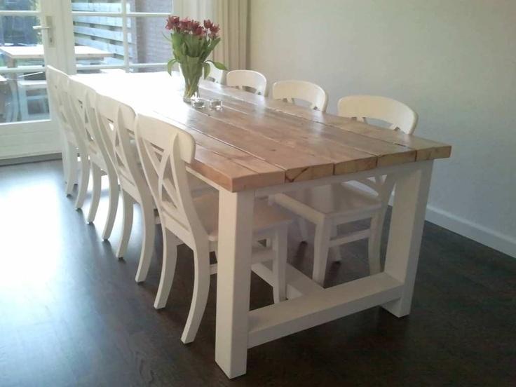 Tafel Freya wit onderstel met een blad van oud steigerhout behandeld met 2 componenten lak. Deze tafel is uitgevoerd met een extra dik blad. Het hier getoonde blad is erg licht t.o.v. de huidige parti steigerhout