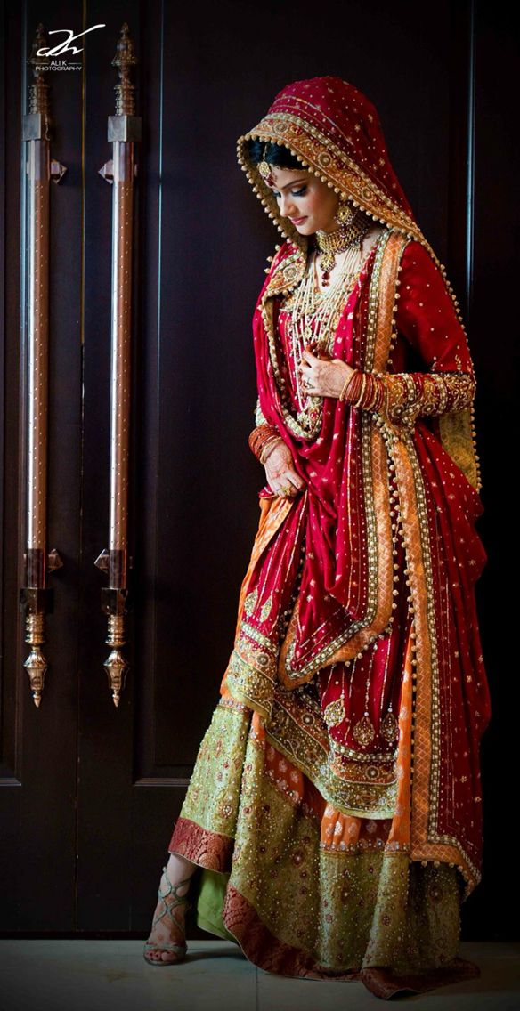 Punjabi bridal look with traditional punjabi dupatta drape called rajrani.